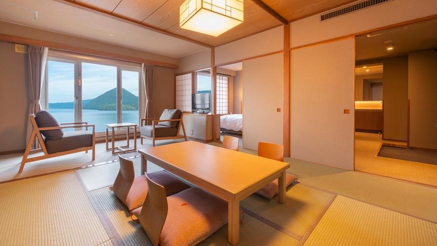 【東館】特別室 6畳の和室とツインベッドの寝室がある湖側客室。5名の利用が可能。浴室は檜造り♪