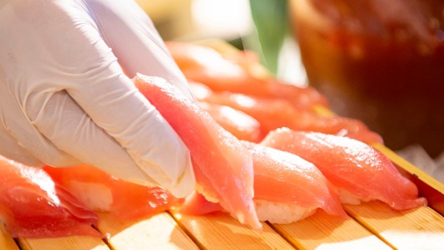 【夕食】握り寿司、天ぷら、パスタ、石窯焼ピッツァは出来立てアツアツをライブキッチンより提供!