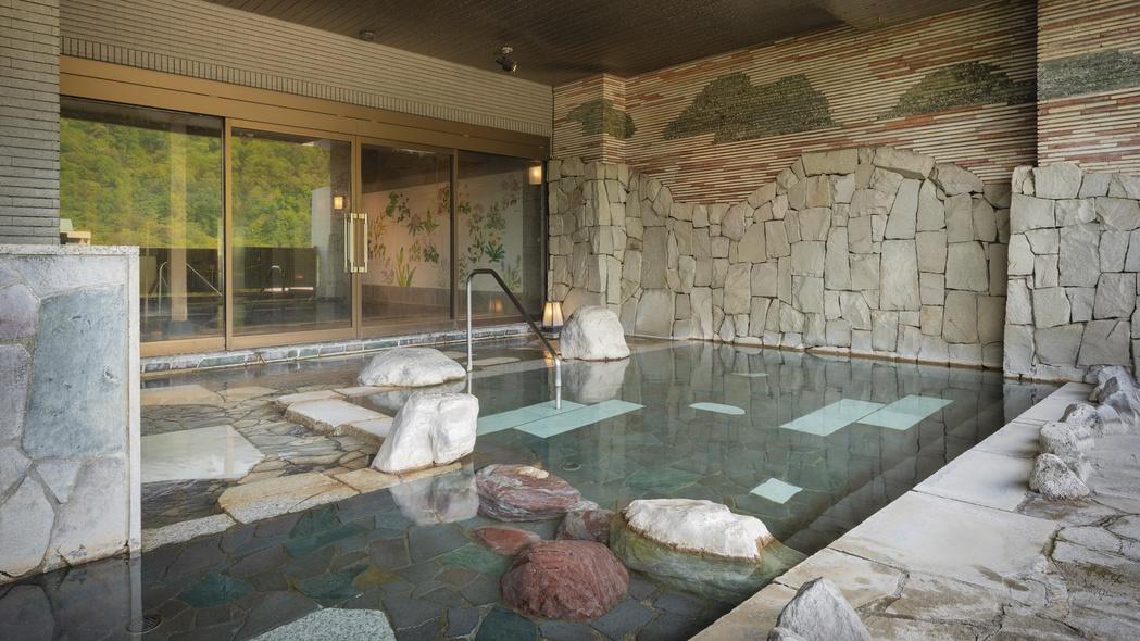 【露天風呂】美味しい空気と定山渓の四季を楽しむ。