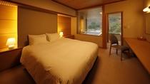 露天風呂付客室(クイーンサイズダブルベッド) 35平米