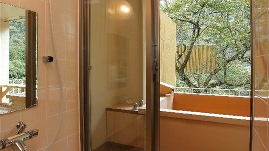 露天風呂付客室(和洋室A・B)のシャワールーム