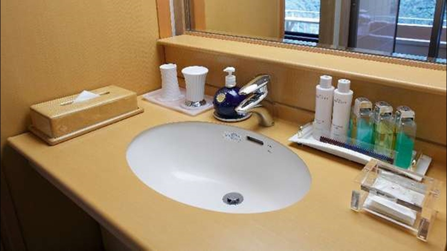 露天風呂付き客室の洗面