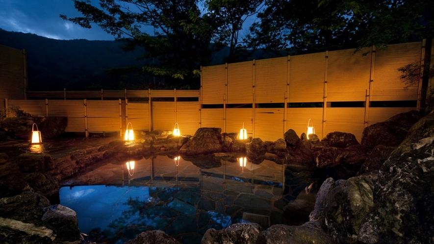 薄暮の露天風呂 (殿方用) ※本館が休館の場合はご利用いただけません。ご了承ください。