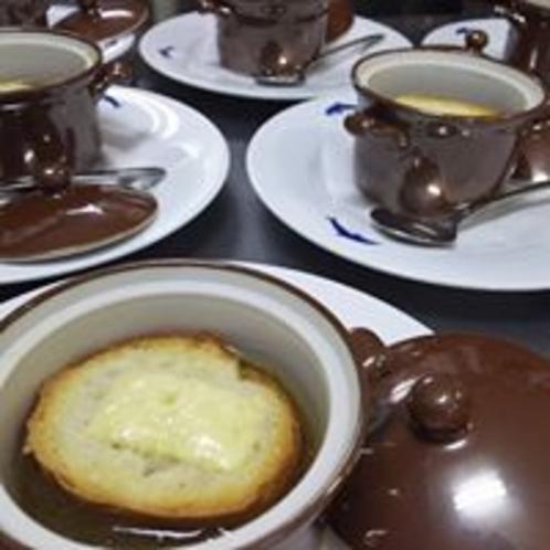 冬季限定のオニオングラタンスープ