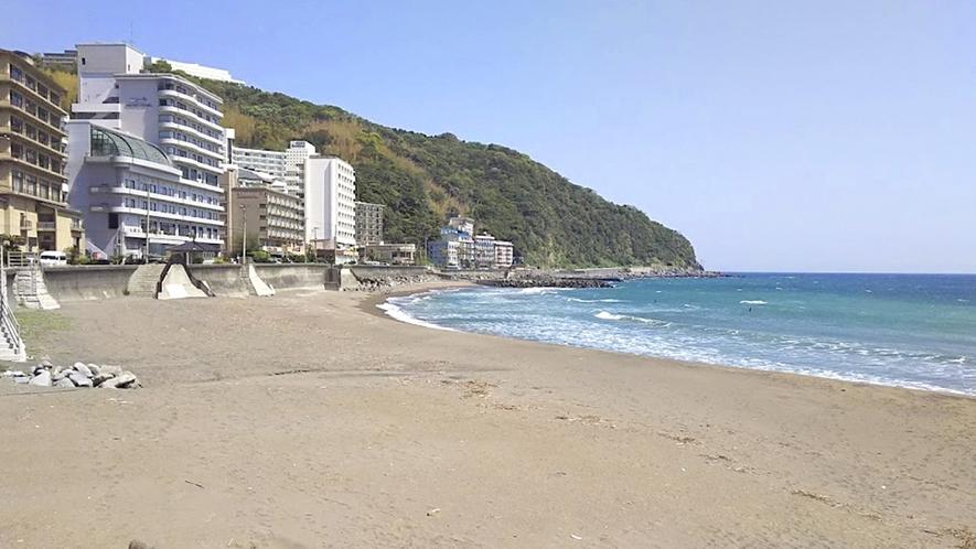 ・海岸が広がりきれいになった熱川YOU湯ビーチ(車10分)