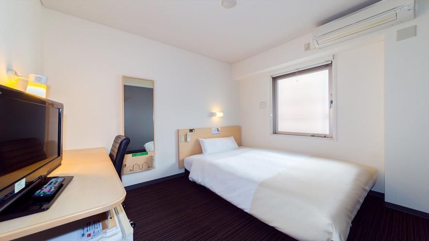 眠りを追及した140cm幅のワイドベッドと適度な硬さのマットでぐっすり♪