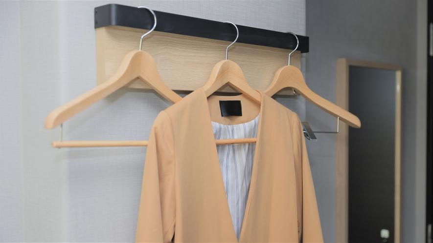 【ハンガー】上着やジャケットのお洋服をかけられます!