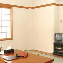 *【客室】6畳和室の少人数向けのお部屋です。