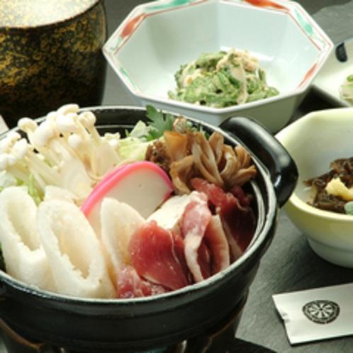 *【鴨タンポ鍋】秋田名物のきりたんぽと鴨のコラボ鍋です♪
