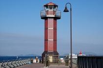 高松港の赤灯台