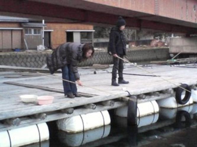 風もなく穏かな冬の魚釣り