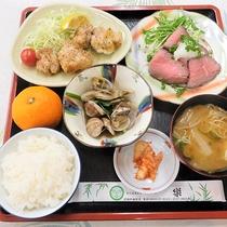 *【夕食一例】ボリュームのある日替わり定食