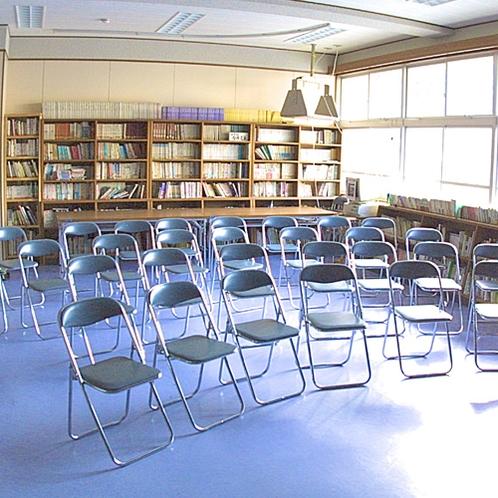 【3F図書室】ご自由にお使いください