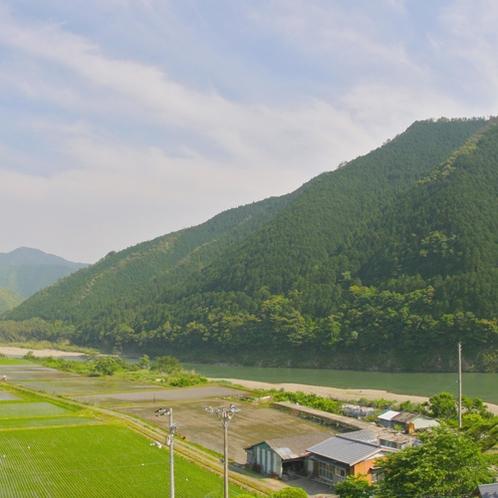 【宿周辺】日本最後の清流・四万十川に触れてみませんか?