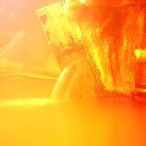 【温泉】内湯(女湯)檜造りの内湯。鉄分を含む「アカンダナの湯」に浸かれば体がいつまでもぽっかぽか。