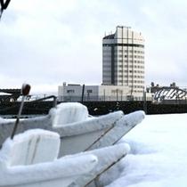 ホテル 冬外観