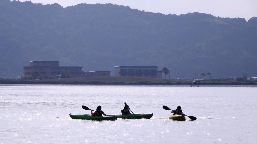 *【アクティビティ・カヤック】東郷湖にてカヤックをお楽しみいただく事もできます。