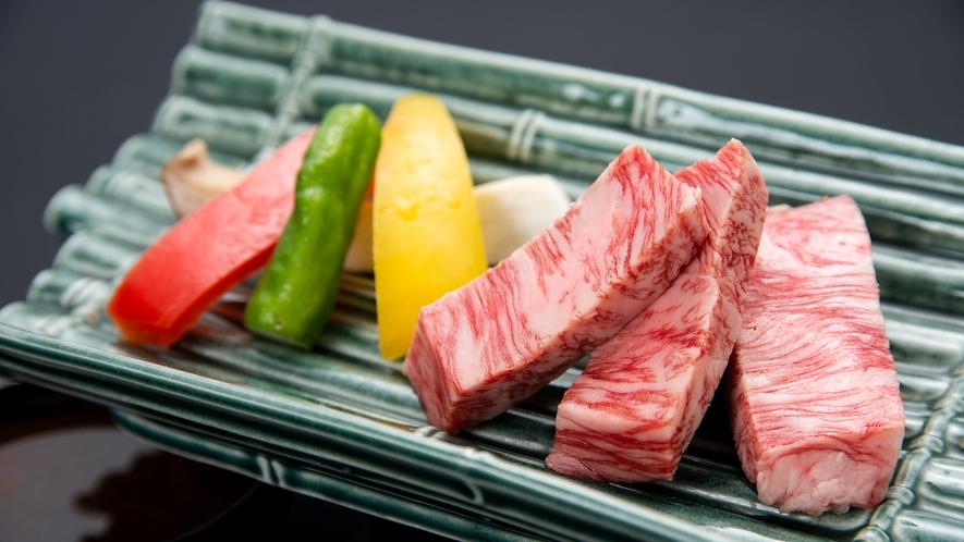 *【夏季グレードアップ会席】牛ステーキの陶板焼き