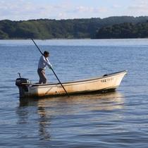 東郷湖のしじみ漁