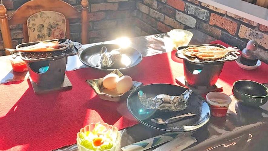 朝の光の中でご朝食