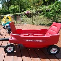 *[屋外キッズパーク]乗り物系の遊具もあります♪キッズパークは子供たちの楽園。