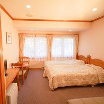 *[ツイン+ソファベッドルーム一例]広さ約16~18平米、全室禁煙・WiFi完備。