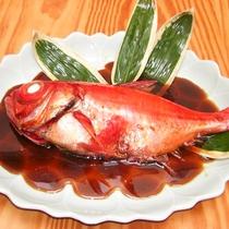 *[別注料理/金目鯛の姿煮]伊東港で水揚げされた新鮮で脂ののった金目鯛。