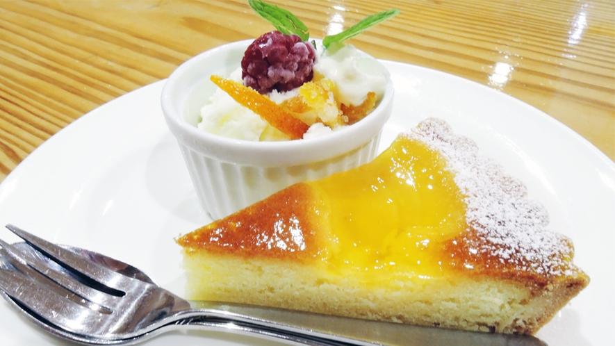 *[夕食一例/デザート]季節ごとに変わるデザートの盛り合わせ。
