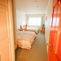 *[4ベッドルーム一例]バストイレ付き。赤ちゃん連れのお客様にお勧めです。