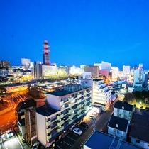 ■眺望■街側眺望から見える、夜の蒼に輝く色とりどりの街明かりが美しい