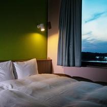 ◆リニューアルダブル14平米◆140㎝幅のベッドで快適なくつろぎ