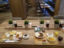 朝食会場(2017年7月リニューアル)