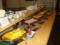 完全無料!栄養満点の朝食バイキング(´¬`)
