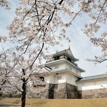 悠久山公園 東山連邦のふもとに位置し、「おやま」と呼ばれ親しまれています。(車で10分)