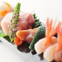 日本海の新鮮な海の幸はプリプリな歯ごたえ、油が程よくのった味わいです(イメージ)