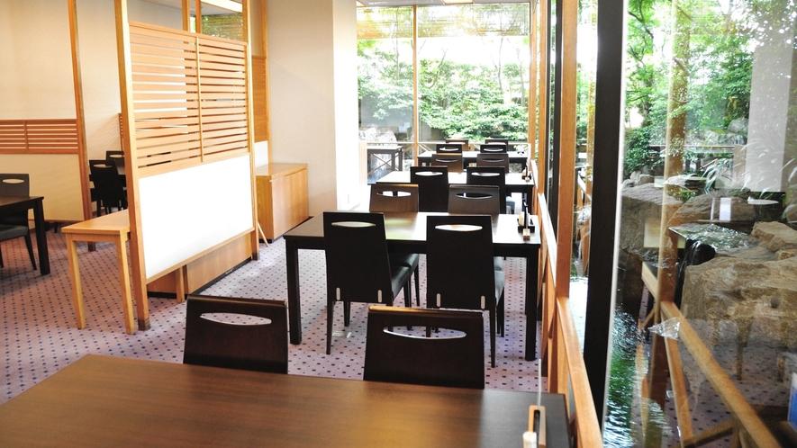 1階「日本料理 胡蝶」ホール席  直通電話:0258-37-2102