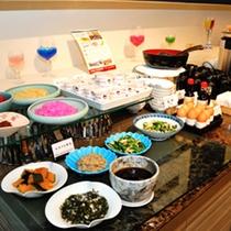 和食も種類を充実させています。コシヒカリがどんどん進んでしまいますよ♪(朝食ブッフェ)