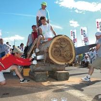 全日本丸太早切選手権大会 伝統の脇野町産ジャンボ鋸で丸太の早切りを競います。(車で約20分)