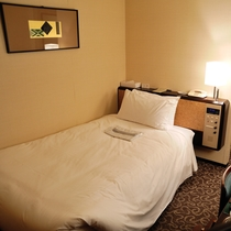 スーペリアシングル(9・10・11階)広さ:16平米 ベッド幅:200cm×110cm