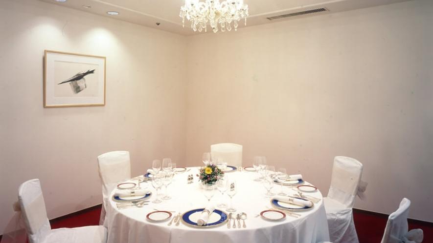 1階「日本料理 胡蝶」胡蝶個室は計4室ございます(別途料金)写真は『1の間』