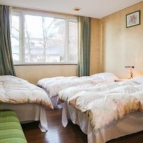 *[トリプルルーム]シングルベッド3台が置かれた洋室タイプ