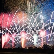 **【安曇野花火大会】市内の若手経営者たち主催!音楽花火、超巨大ワイドスターマインなど見ごたえ抜群。
