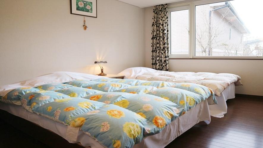 *[ツインルーム(W)]シングルベッド、ダブルベッド、ソファベッドがあります