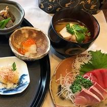*[正月料理一例]おせちやお雑煮の特別料理で新年をお祝い♪