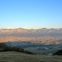 *[アルプスの風景]安曇野の高台にある当館周辺は眺望も良好