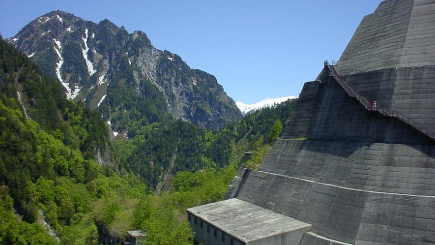 *[周辺]北アルプスの美しい山並みを眺めれば気分爽快♪