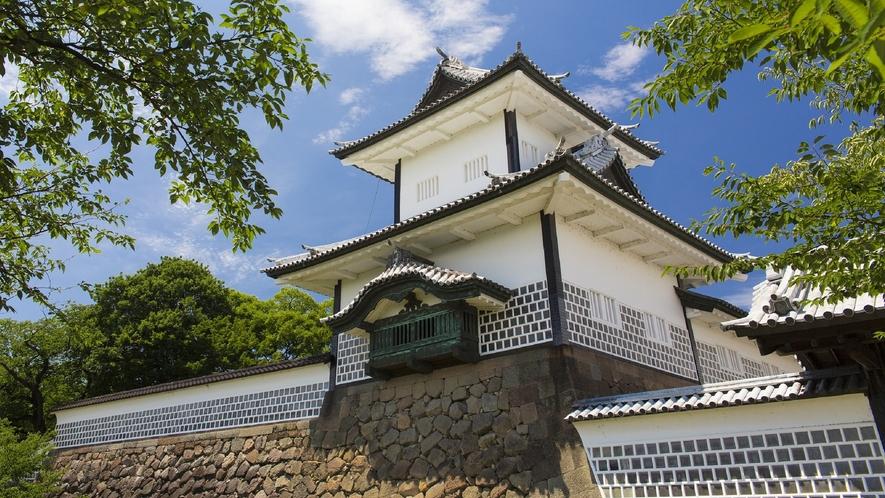 金沢城・石川門 (写真提供:金沢市)