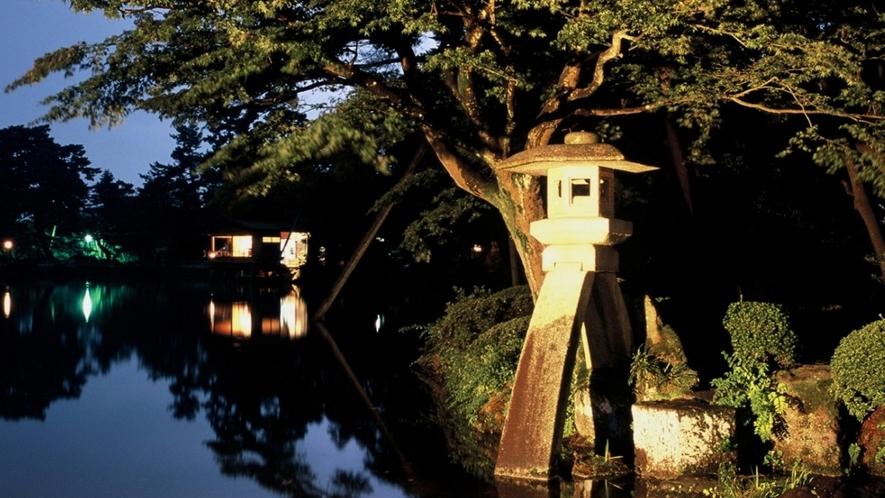 兼六園 (ライトアップの様子)(写真提供:金沢市)