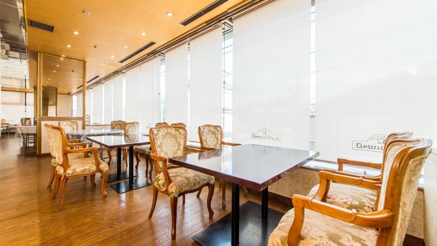 姉妹館アパホテル〈小松グランド〉2Fレストラン「グランドホスト」