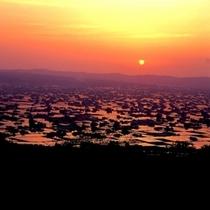■夕日に染まる散居村